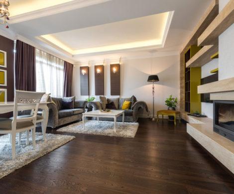hardwood-floor-in-living-room